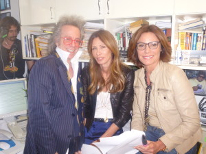 Jeffrey Gurian, Carole Radziwill, and LuAnn DeLesseps in Jeffrey's apartment rehearsing the sketch for RHONY!